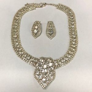 Pretty Sparkling Fashion Necklace & Earrings